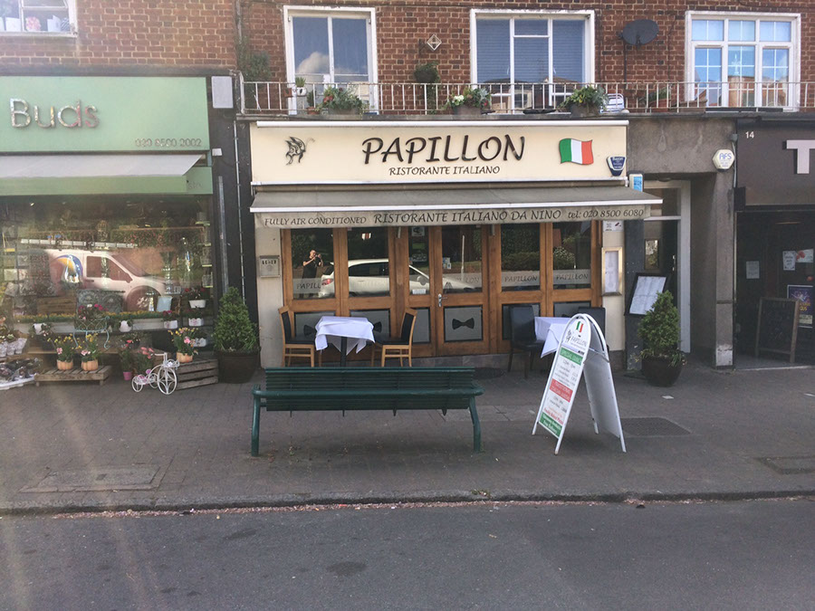 papillon non illuminated sign